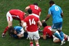Martin Castrogiovanni sets up a ruck for Italy