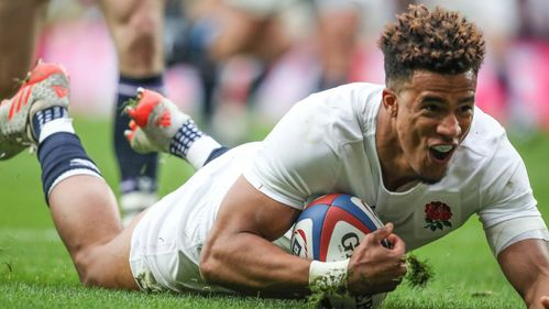 England's Watson comfortable at wing or full-back