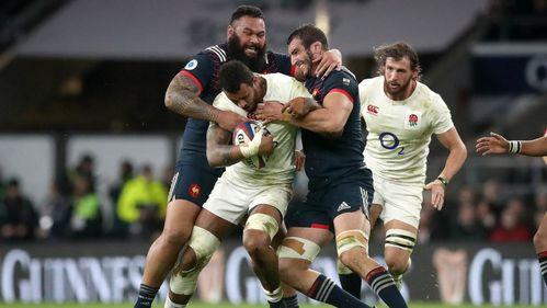 Te'o try helps England grind past France