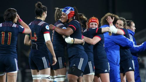 France score 15 tries in victory over Spain