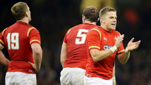 Anscombe signs dual contract ahead of Wales summer tour