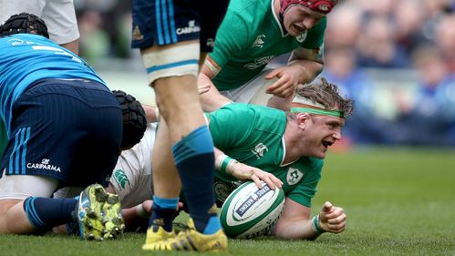 Record-breaking Ireland bounce back in style