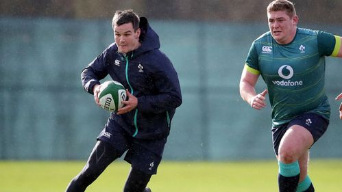 Sexton returns at fly-half for Schmidt's Ireland