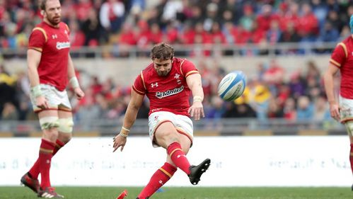 Halfpenny guides Wales to victory in Rome