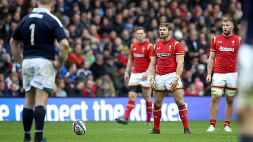Jenkins backs 'outstanding kicker' Halfpenny