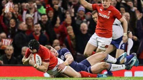 Halfpenny inspires Wales to victory over Scotland