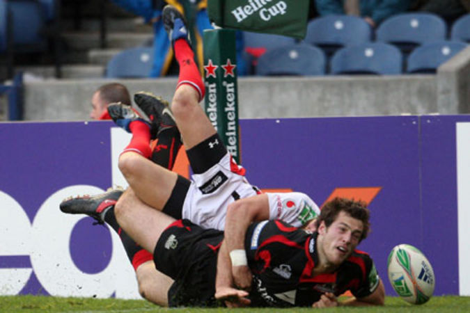 Tim Visser scores the winning try