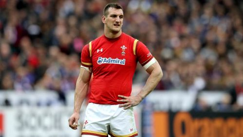 Warburton prepares to do battle with Moriarty in club colours