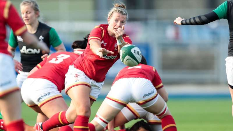Phillips names 32-player Wales squad for Women's Six Nations