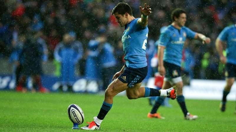 Italy edge thriller after Canada's second-half barrage