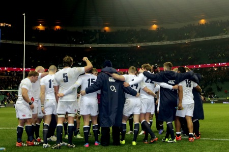 England huddle